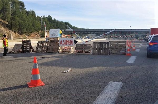 Les barrages et manifestations sont annoncés pour le samedi 1er décembre, par les Gilets Jaunes - Crédit photo : CE