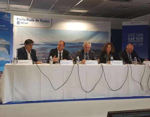Georges Azouze (Pdt Costa Croisières Fance), Jérôme Giraud (directeur des ports CCI Var), Jacques Bianchi (Pdt CCI Var), et Laurence Cananzi (Vice Pdte CCI Var) lors de la conférence de presse de présentation des nouvelles croisières Costa au départ de Toulon - Photo CE