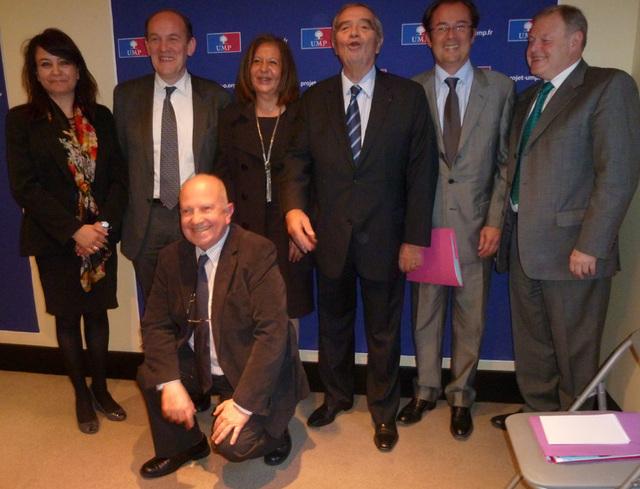 Amel Hachani (OT Tunisie), Daniel Fasquelle (député-maire du Touquet), Nahed Rizk (OT Egypte), Georges Colson (SNAV), Christian Mantei (Atout France), Michel Messager (Conseil National du Tourisme) et, en première ligne  Raoul Nabet (APST)