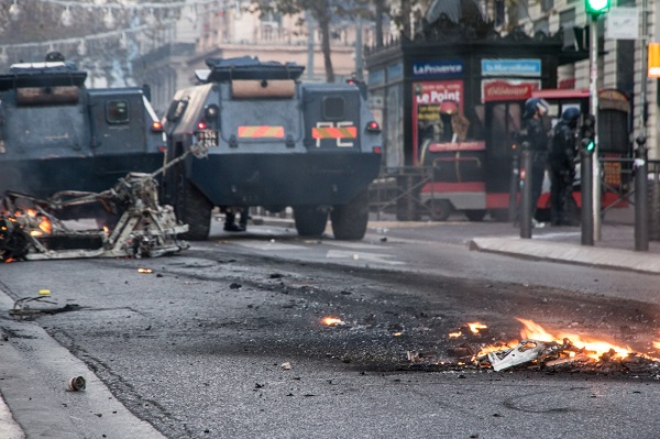 Gilets Jaunes, la France pourrait connaître un samedi 15 décembre plus calme - Crédit photo : RP
