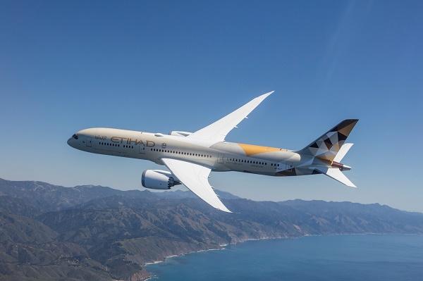 Etihad Airways déploie le Boeing 787-9 Dreamliner entre Barcelone et Abou Dhabi - Crédit photo : Etihad
