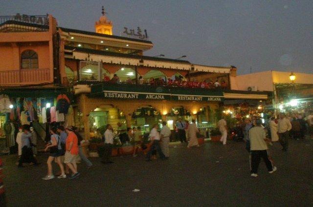 Le café Argana situé à la Place Jamaa Lafna à Marrakech (photo A. Lombardo)