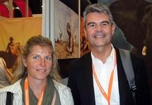 La distribution de Safari à la Carte, comme ses grands frères, sera multicanal, agences et site web dédié, mêmes prix publics. Le duo se donne deux ans pour atteindre le million d'euros.