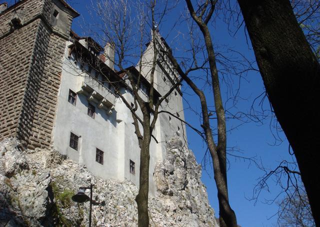 C'est au château de Bran que les visiteurs viennent découvrir la véritable histoire du prince de Valachie, Vlad Tepes, l'empaleur.