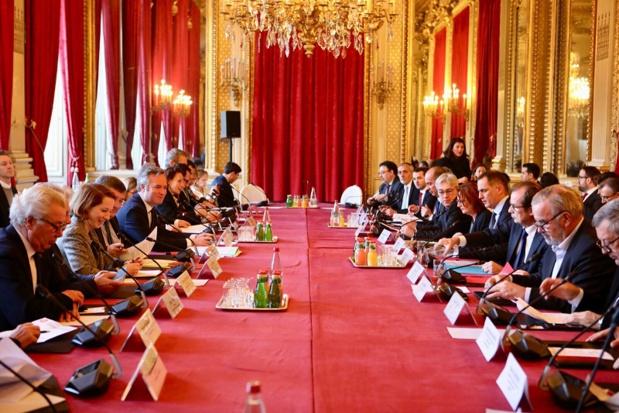 Le 3e conseil de pilotage du tourisme réuni, sous la présidence de Jean-Baptiste Lemoyne, et en présence de plusieurs élus de collectivités territoriales, hauts représentants d'administration, professionnels du tourisme et associations professionnelles - DR : France Diplomatie
