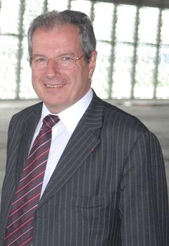 Aéroports : Jean-Michel Vernhes élu à la tête de l'UAF