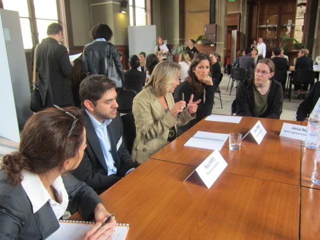 Des tables rondes thématiques ont été organisées à la fin de la journée