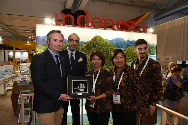Septembre 2018, Stand Wonderful Indonesia sur le salon IFTM lors de la visite de Jean-Baptiste Lemoyne, Secrétaire d'État auprès du Ministre de l'Europe et des Affaires Étrangères - Crédit photo : IFTM Top Resa