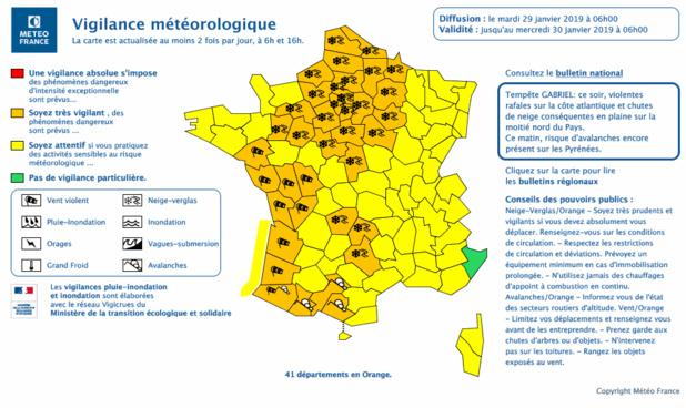 Vent, neige et verglas : 37 départements en vigilance orange
