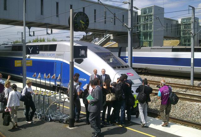 Livré le 30 mai 2011 par Alstom, le TGV 3e génération sera mis en circulation sur la ligne à grande vitesse Rhin-Rhône - DR : SNCF
