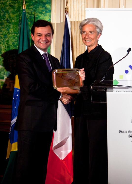 """TAM Airlines : Président de la compagnie reçoit le prix de la """"Personnalité Brésilienne de l'Année"""""""