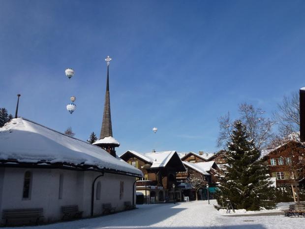 La station offre 200 kilomètres de pistes, dont certaines sont tracées sur un glacier. Et pour le ski de fond, 140 kilomètres sont disponibles - DR : Gstaad Saanenland Tourismus