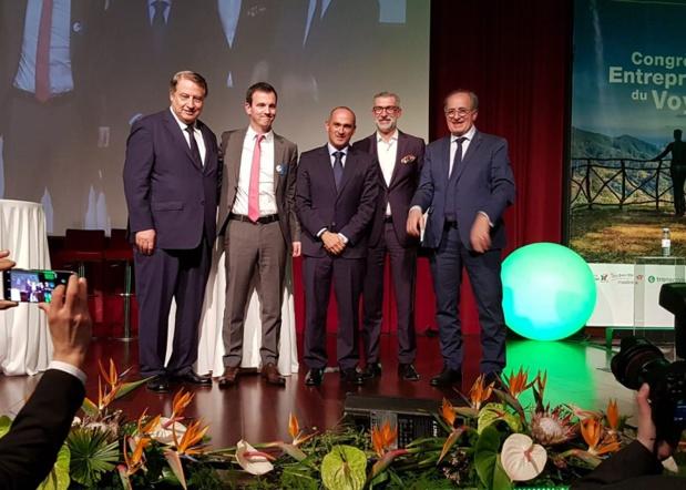 Jean-Pierre Mas, entouré de Mumtaz Teker, Jean-Pierre Pinheiro (OT du Portugal) et les représentants portugais du tourisme à Madère - DR