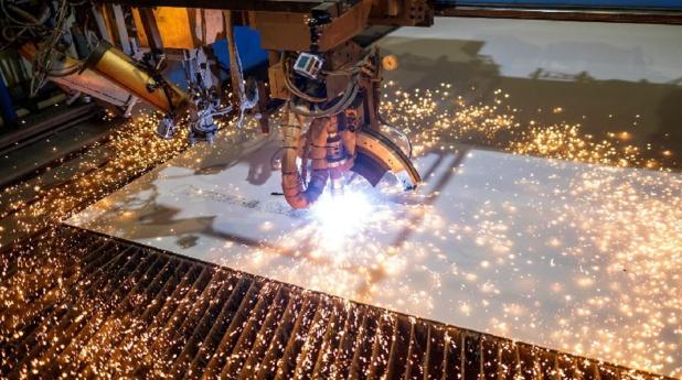 La coupe de la première pièce d'acier de l'Odyssey of the Seas, aux chantiers allemands de Meyer Werft - DR : RCL