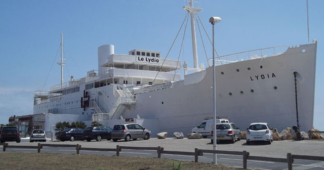 Bateau de croisi re le lydia transform en p le touristique - Office du tourisme le barcares ...