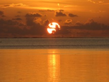 Tous les couchers de soleil en Polynésie sont magnifiques - Photo AL