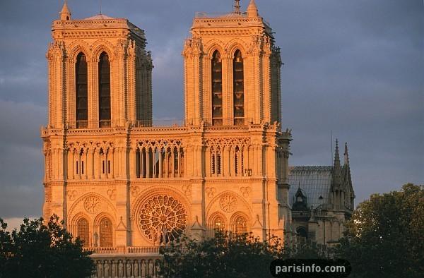 Notre-Dame de Paris conserve la palme des sites les plus visités de Paris en 2010 - DR :  David Lefranc