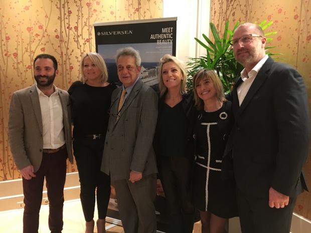 Les équipes de So Between et Un océan de croisières. Au centre, Rony Broun, directeur des ventes Europe, Benelux et Malte de Silversea - DR : CL