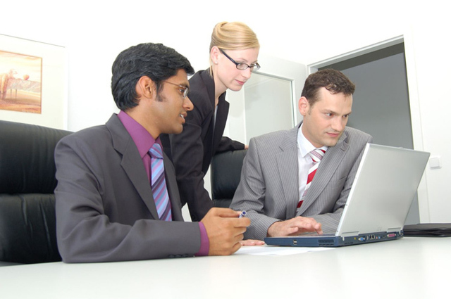 Les nouvelles lois de finances 2011 vont durement impacter la communication par le voyage - DR : photo-libre.fr