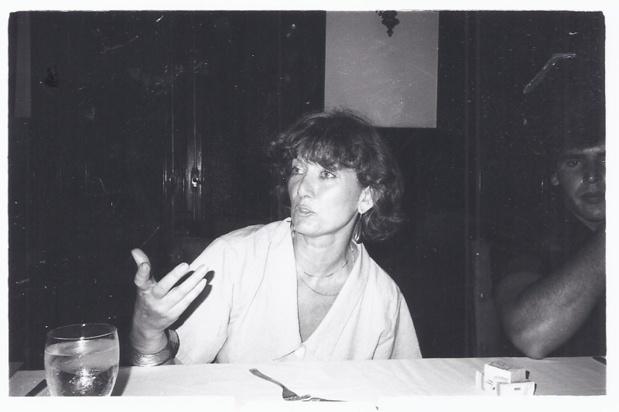 Michèle animant un débat, du temps où elle travaillait comme journaliste chez Tour Hebdo - DR : M.S.