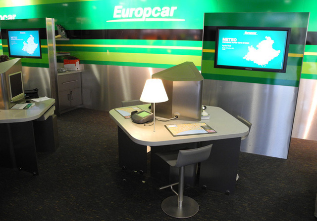 a roport de nice l 39 agence europcar a d m nag. Black Bedroom Furniture Sets. Home Design Ideas