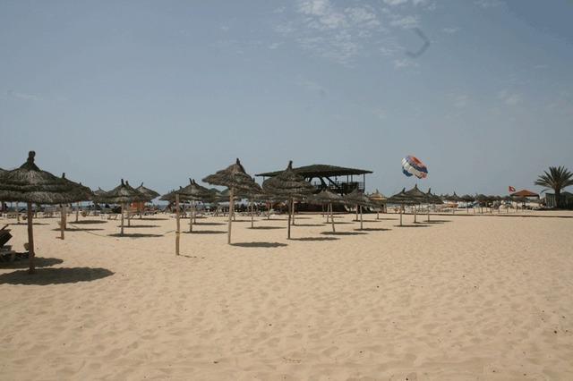 Soleil, sable et peu de monde sur les plages d'Hammamet - Photo DR J.B TourMag.com