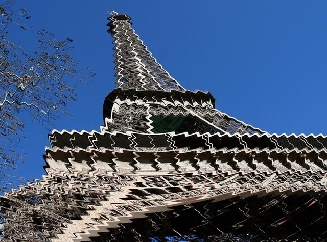 Les loisirs culturels restent les plus touchés par la baisse du pouvoir d'achat des français, tels que le cinéma (50,4% de fréquentation en 2007 contre 38,4% en 2010) ou le restaurant (62,4% de fréquentation en 2007 contre 45,8% en 2010)