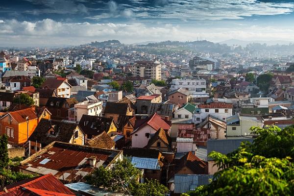 Antananarivo, capitale de l'inégalité, où le tourisme essaye de se développer - Crédit photo : Depositphotos @mihtiander