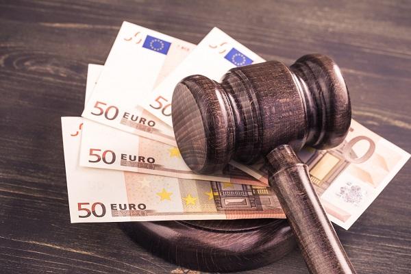 """UE : Google condamné à 1,49 milliard d'euros pour """"pratiques anticoncurrentielles"""" - Crédit photo : Depositphotos @yingko"""