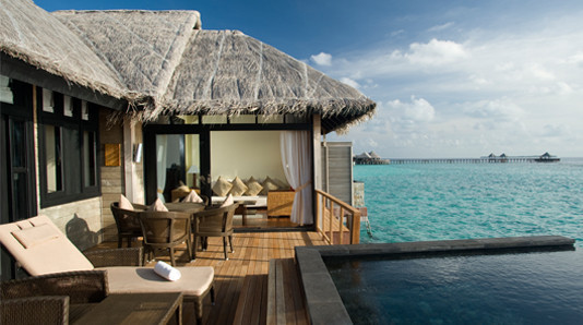 Le Waldorf Astoria Maldives est entouré d'un lagon cristallin - DR : Beach House Maldives