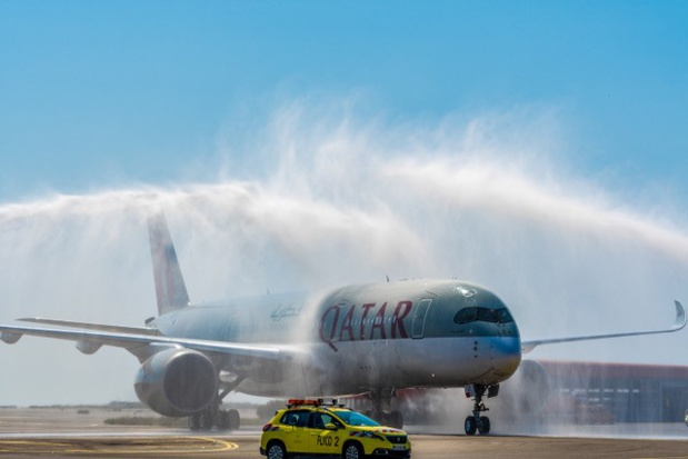 Le water salute pour l'A350-900 de Qatar Airways - DR Qatar