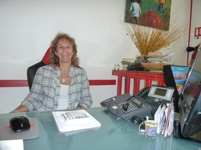 """Nathalie Geretto : """"Je me renseigne, je lis, je participe aux formations en ligne et je discute avec les clients qui deviennent avec le temps de formidables sources d'informations. En me faisant des briefings sur leurs voyages ils m'adressent de formidables outils de travail."""" - DR"""