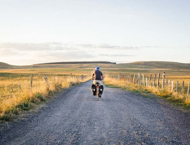 En mai 2015, Mathieu Mouillet part avec un sac de 18kg sur le dos, à pied puis à vélo, pour découvrir la France, durant 17 mois - DR : Mathieu Mouillet