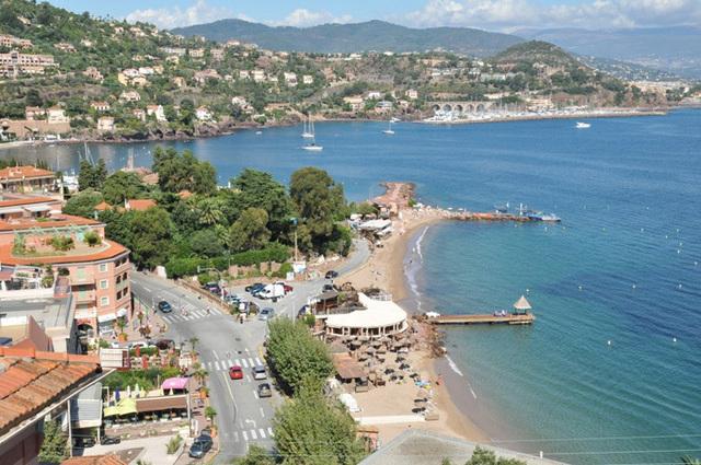 Le nouveau décret protégera les installations qui présentent un intérêt patrimonial comme la plage Marco Polo à Théoule - DR