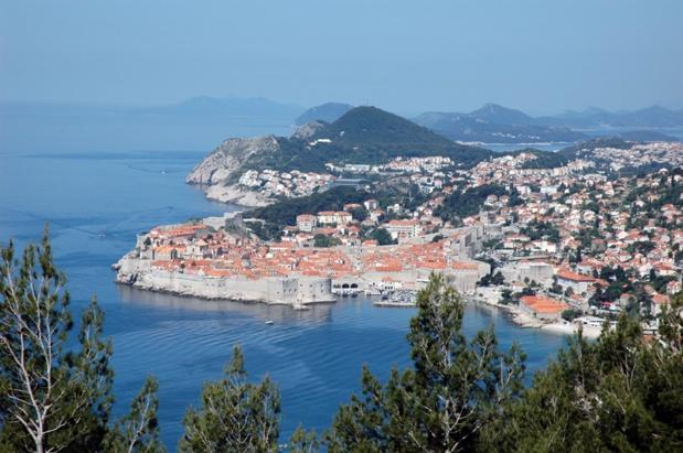 Dubrovnik a su préserver ses églises, monastères, palais et fontaines suite à plusieurs interventions de l'Unesco - Photo CE TourMaG.com