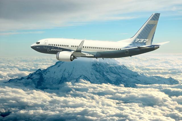 Boeing lance une version remotorisée de son 737