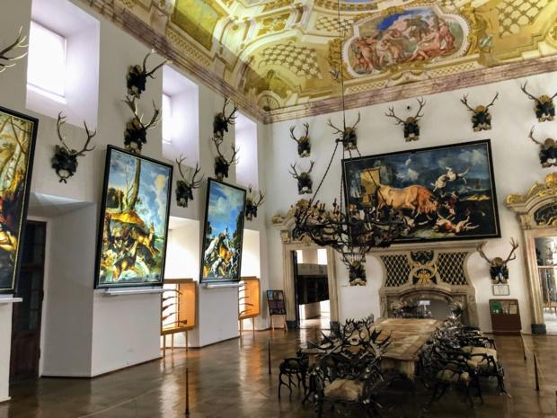 La grande salle d'apparat avec ses fresques monumentales au plafond et son mobilier finement ciselé /crédit photo JDL