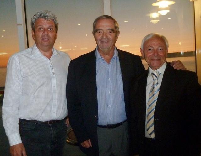 Georges Colson entouré des deux co-présidents de la Commission Mer