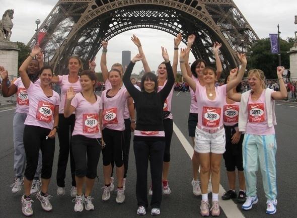 A Paris, chez AS Voyages, on salue déjà (en rose) le lancement du MPCR et les filles sont dans les starting-blocks pour les photos de mardi...