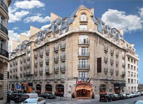 La capitale confirme notamment son pouvoir d'attraction touristique avec les dernières transactions immobilières, comme le Sofitel Arc de Triomphe vendu pour 69 millions d'euros.