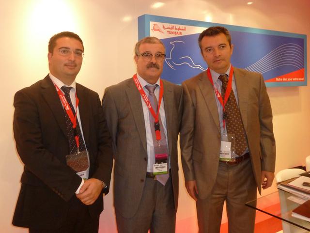 Helmi Hassine, Directeur des Ventes, Mohamed Thamri, PDG de TunisAir avec Ali Miaoui, DG France sur le salon IFTM Top Résa - DR : M.SANI