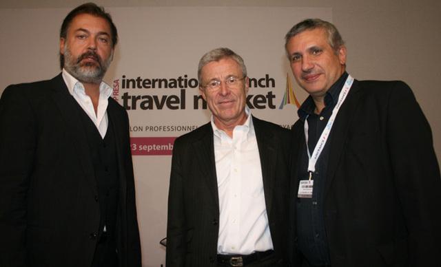 Le président de l'ANAé, Michel Bensadoun, au côté de Gérard Denis et d'un autre administrateur - DR : J.Beveraggi