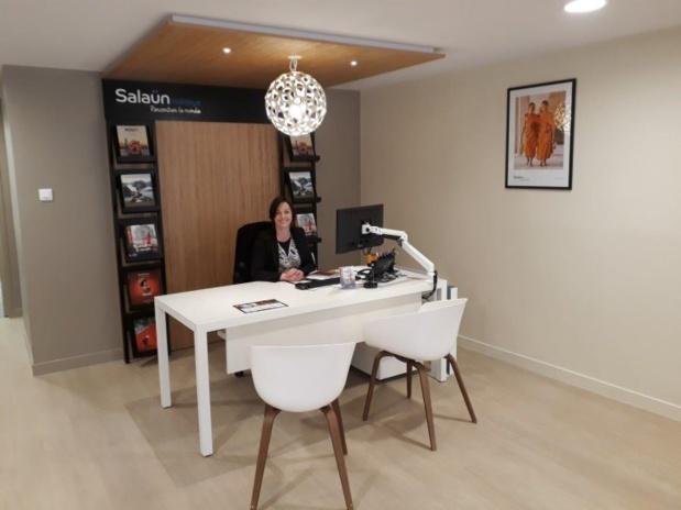 Vanessa Puisais, tout sourire, lors de cette journée d'ouverture de la nouvelle agence de Saint Pol de Léon ! - DR