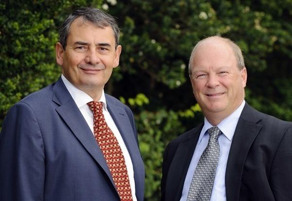 Alain Leveillé, le vice président exploitation d'Accovia (dte) et Patrick Bleu, le vice président de la zone EMEA /photo dr