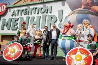 Le 27 avril le Parc Astérix a inauguré l'attraction 4D « Attention Menhir ! ». - DR