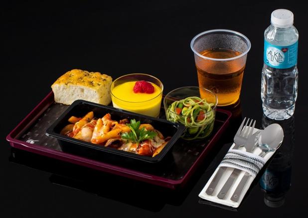 Qatar Airways a revu son offre de restauration en classe économique - DR