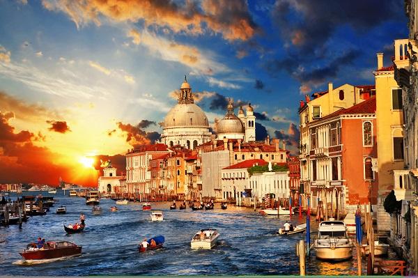 Venise : taxer les touristes, est-ce la meilleur solution contre le surtourisme ? - Crédit photo : Depositphotos @Maugli