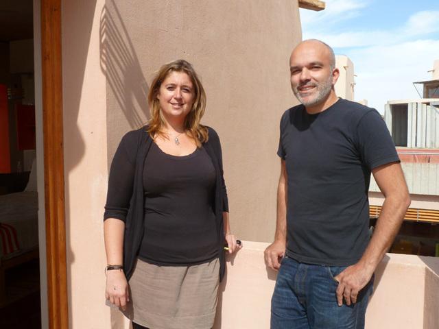 Patrick Elouarghi, promoteur du concept Hi et Marie-Caroline Bourieau directrice de l'eco house & Spa Dar Hi à Nefta . Photo DR M.S.