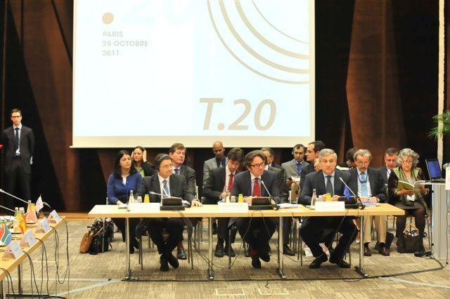Frédéric Lefebvre, le secrétaire d'état, a rappelé qu'en France, les crédits alloués au tourisme et proposés dans le projet de loi de finance 2012 s'élèvent à 1,9 milliard d'euros - DR : DH Simon