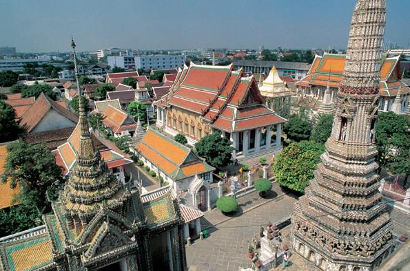 """""""""""Le seul district qui peut craindre, est le quartier du Grand Palais et du temple du Buddha couché de Wat Pho. """" Photo DR OT Thaïlande - Grand Palace à Bangkok"""